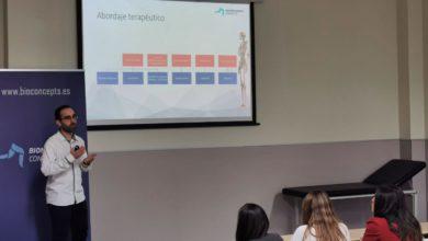 Photo of Impartiendo clases en el máster de la UCAM y en las jornadas de Alicante